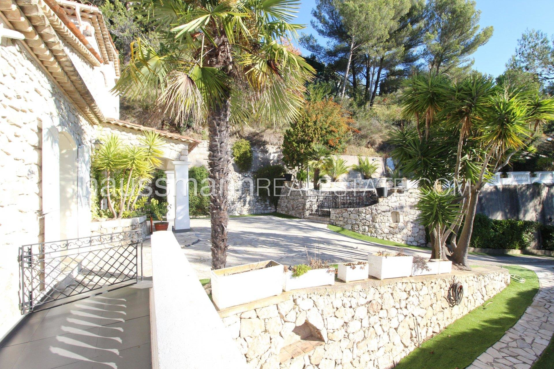 Buying Villa Èze Provencal property with panoramic sea view near Monaco