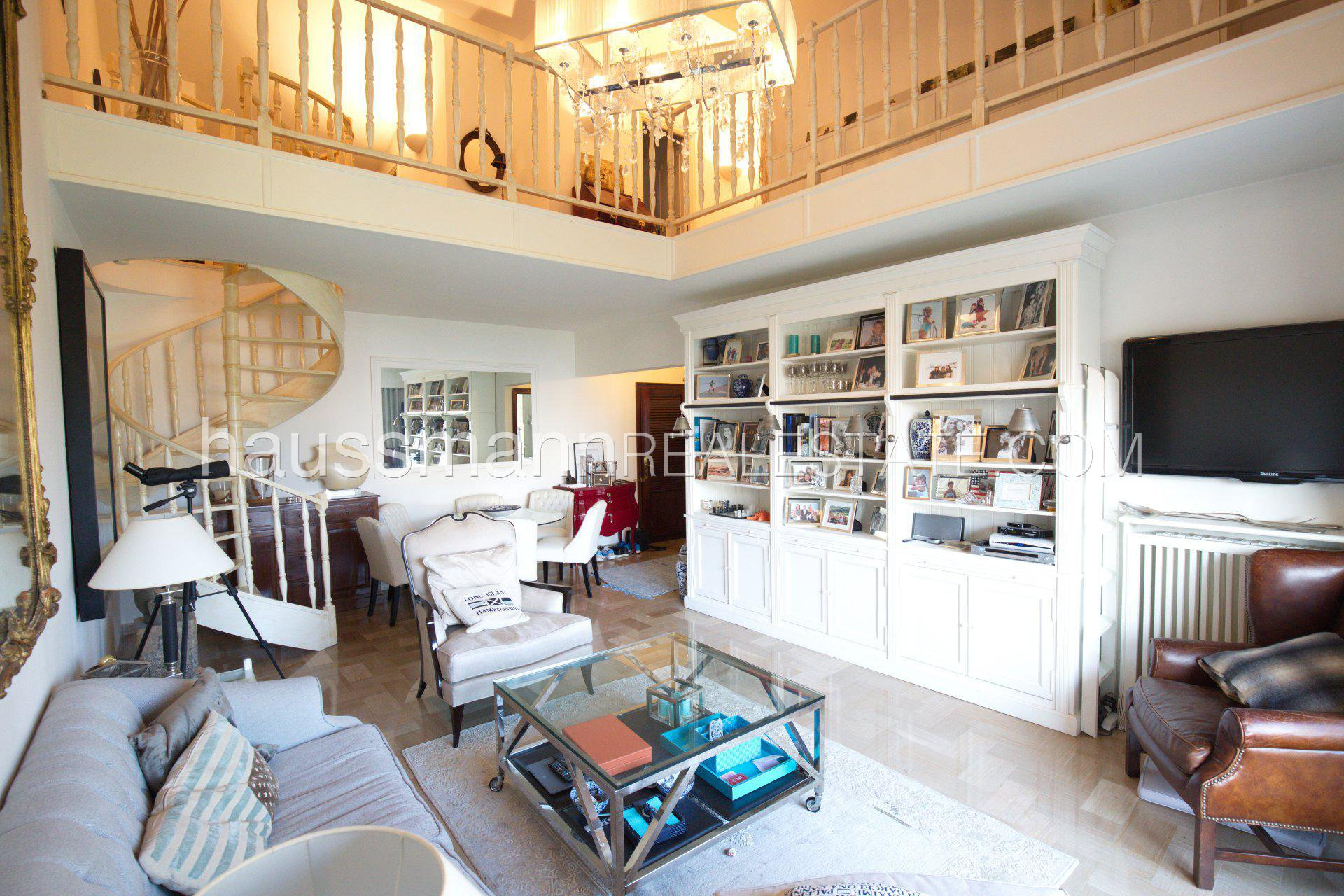 Buying Apartment Beaulieu-sur-Mer 3 bedrooms apartment with sea view and swimming-pool