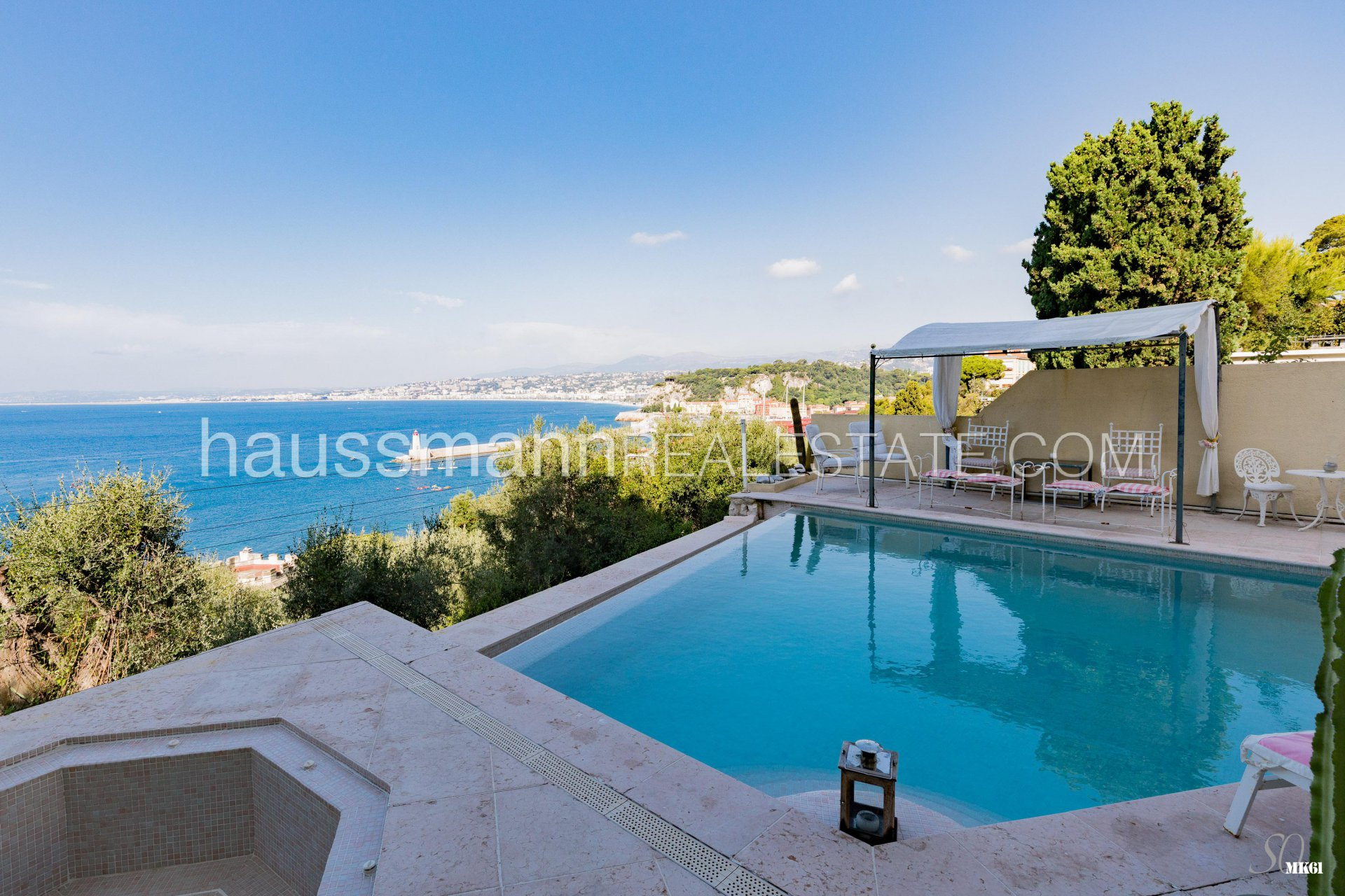 Buying Villa Nice Mansion overlooking the BAIE des ANGES