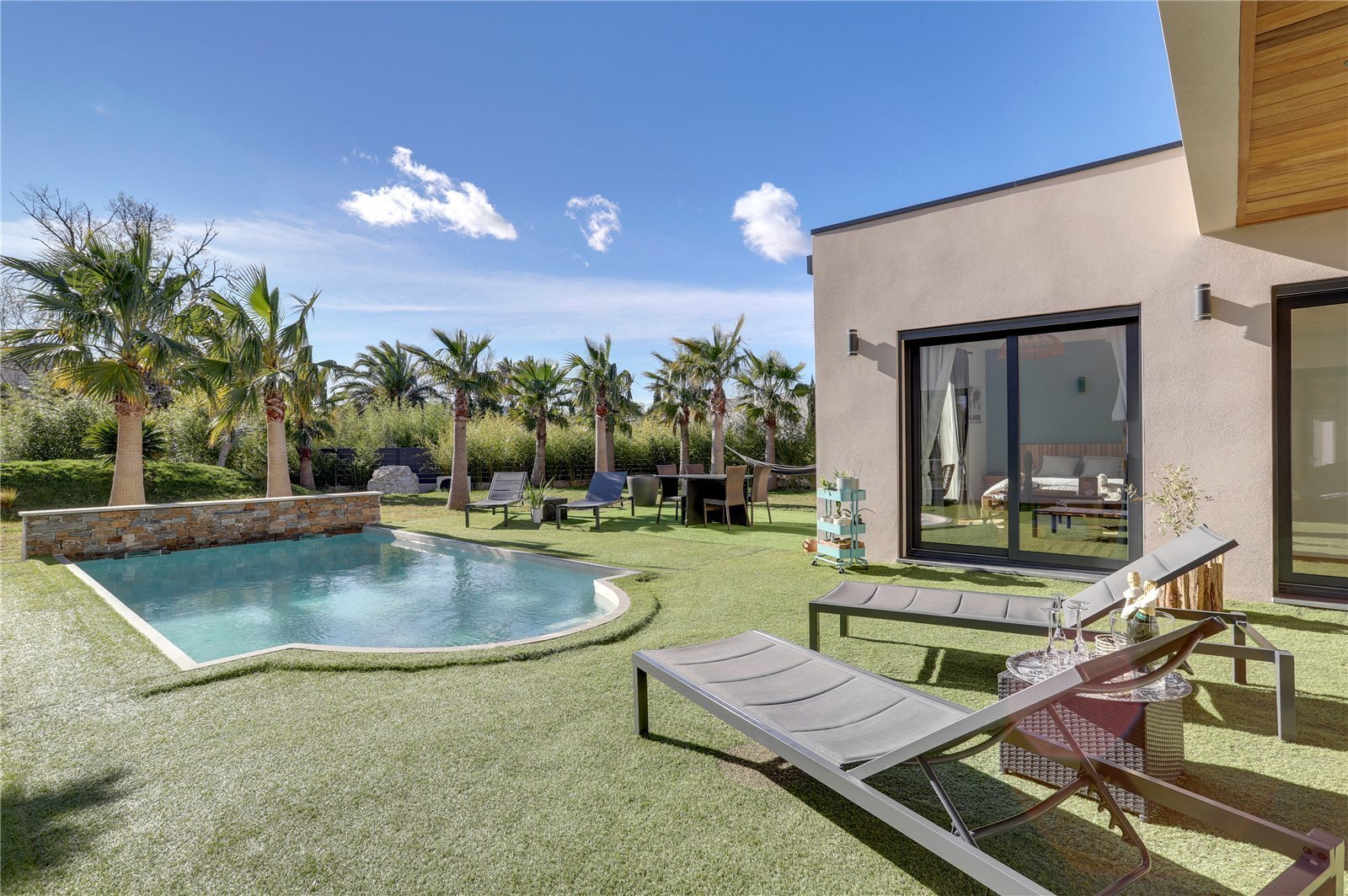 Buying Villa Grimaud Newly built contemporary villa with heated pool located in a private estate in Grimaud.