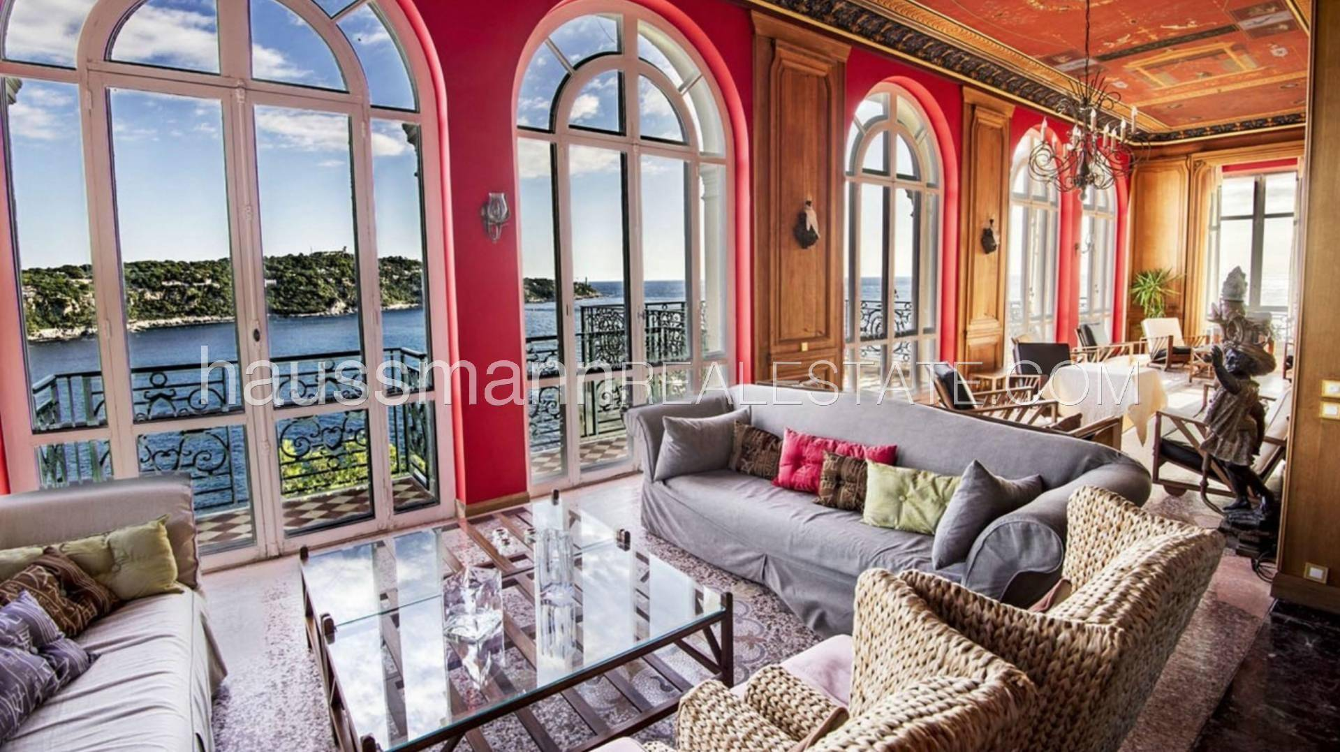Rental Villa Villefranche-sur-Mer Exceptional waterfront property with 14 bedrooms