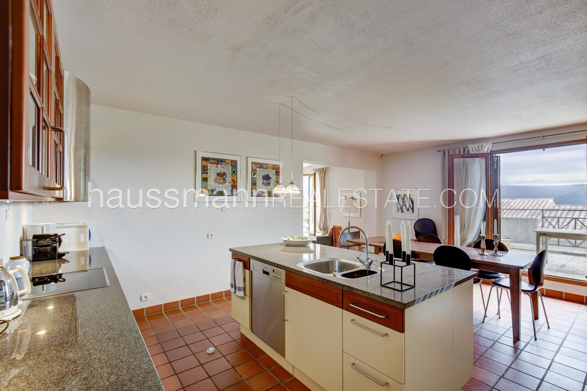 Buying Apartment Le Broc 6 rooms with terrace in a green setting