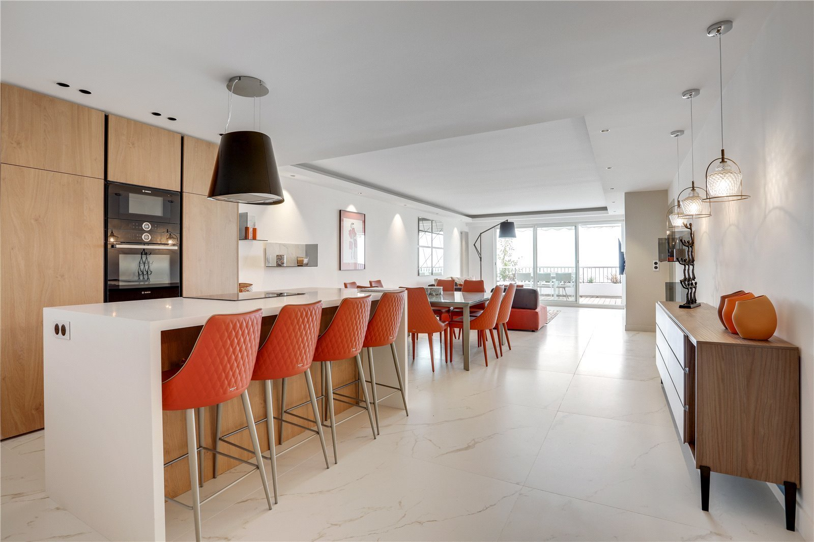 Buying Villa Cannes Refurbished three bedroom apartment with two spacious terraces and panoramic sea views. Garage and cellar included.