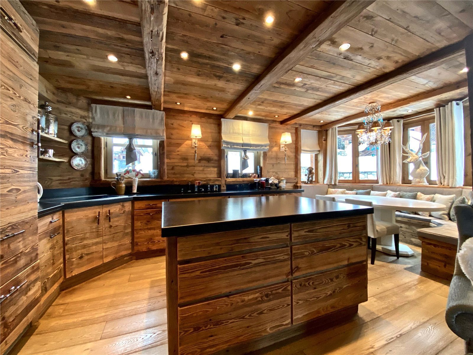 Buying Villa Courchevel Elegant and traditional 5 bedroom chalet of approximately 300 sq m, ideally situated for the ski slopes of Courchevel 1850.