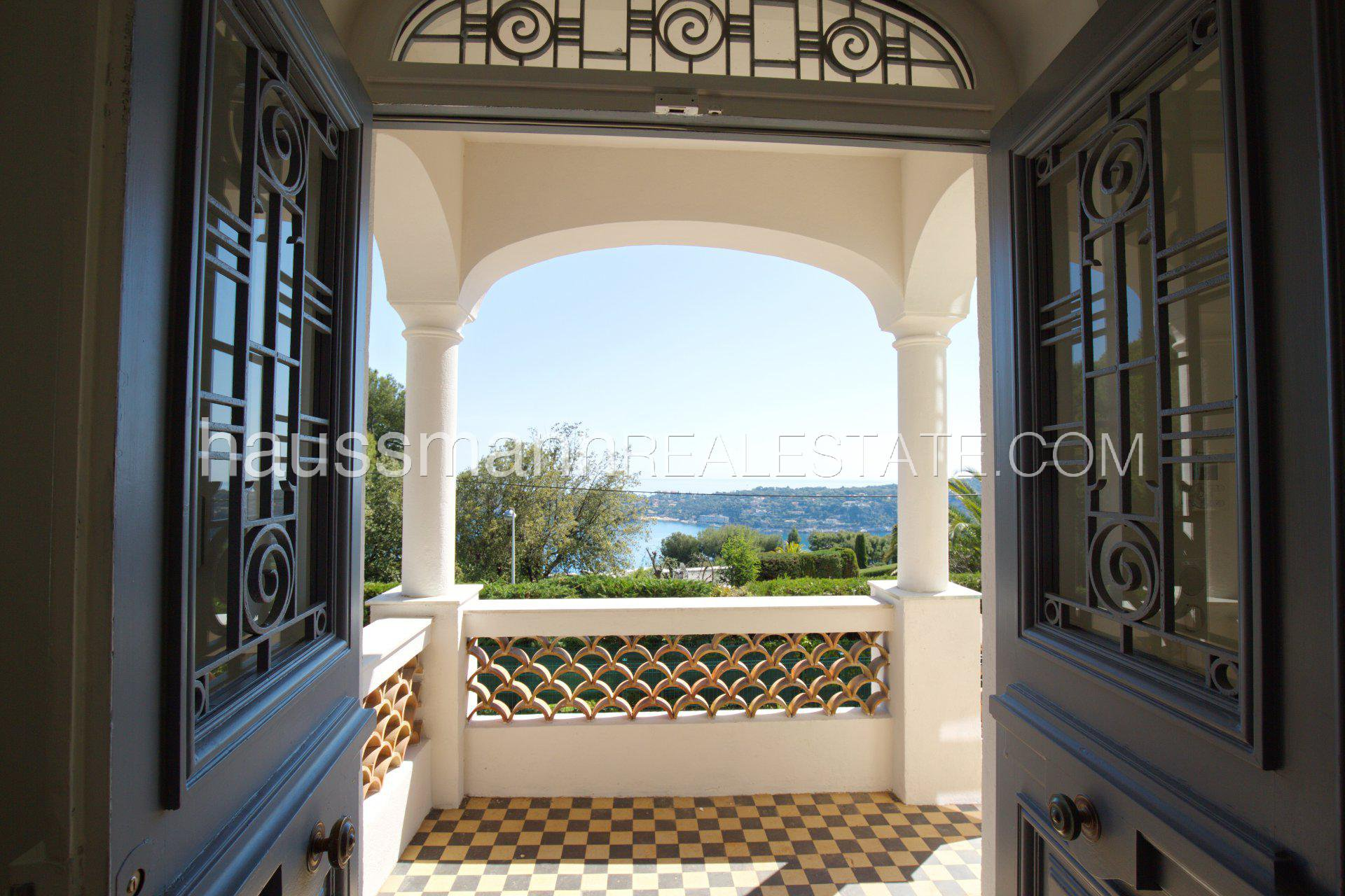 Rental Villa Villefranche-sur-Mer Renovated Stone built house with panoramic sea view and swimming pool