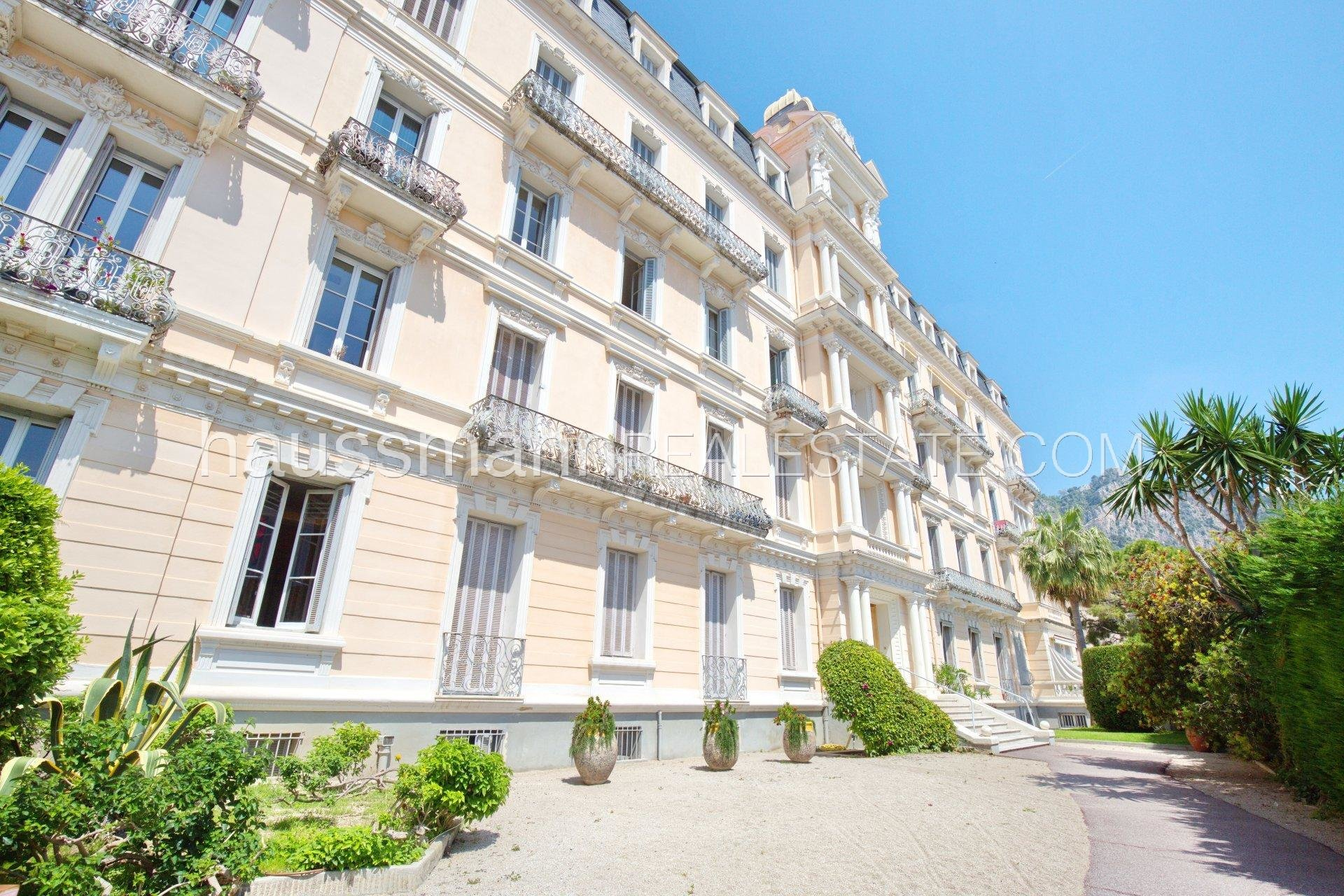 Buying Apartment Beaulieu-sur-Mer 2/3 rooms sea view in Belle Epoque historical residence