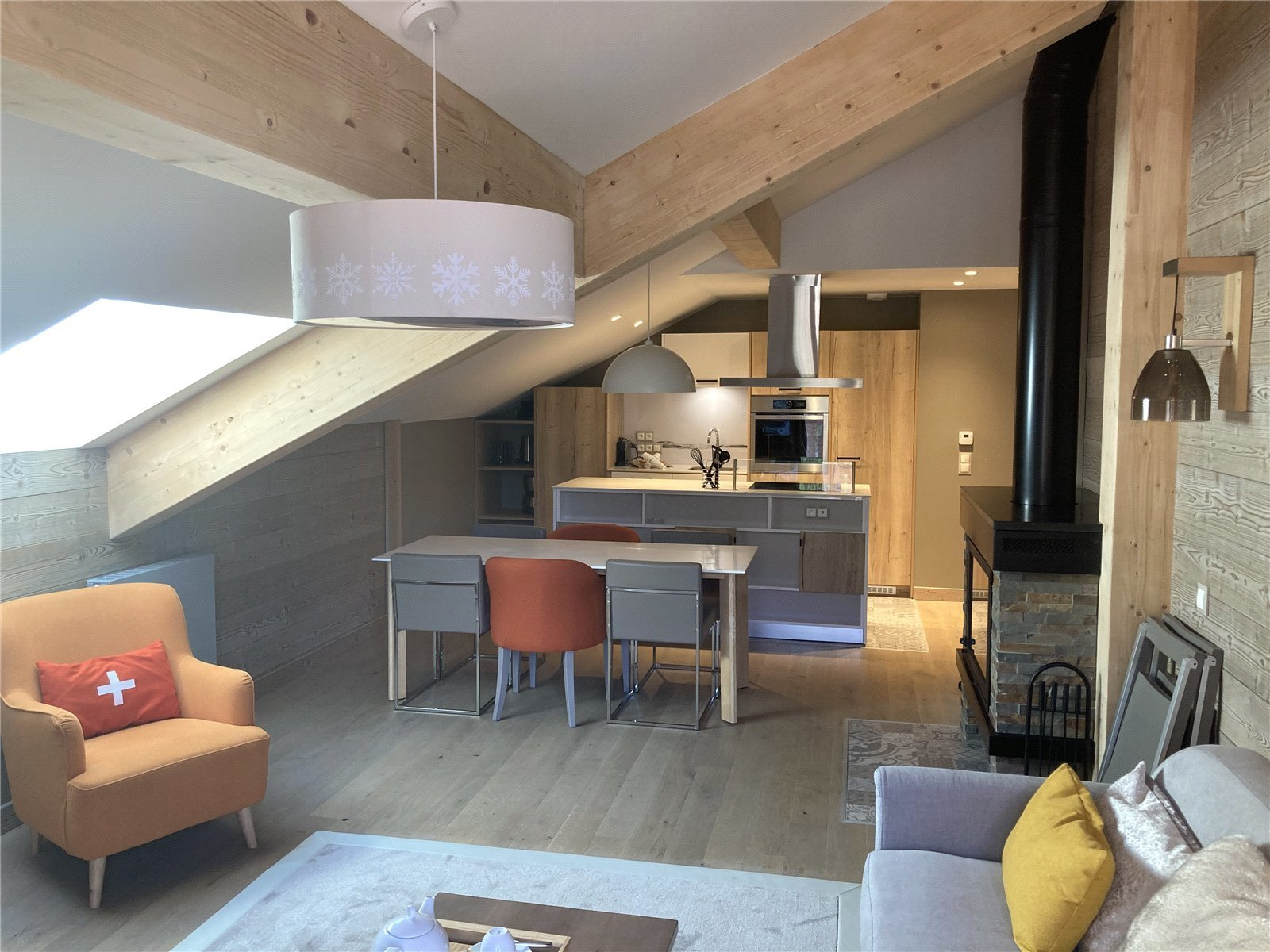 Buying Villa Méribel In Méribel centre, superb penthouse with balcony in a newly built 5 star residence.