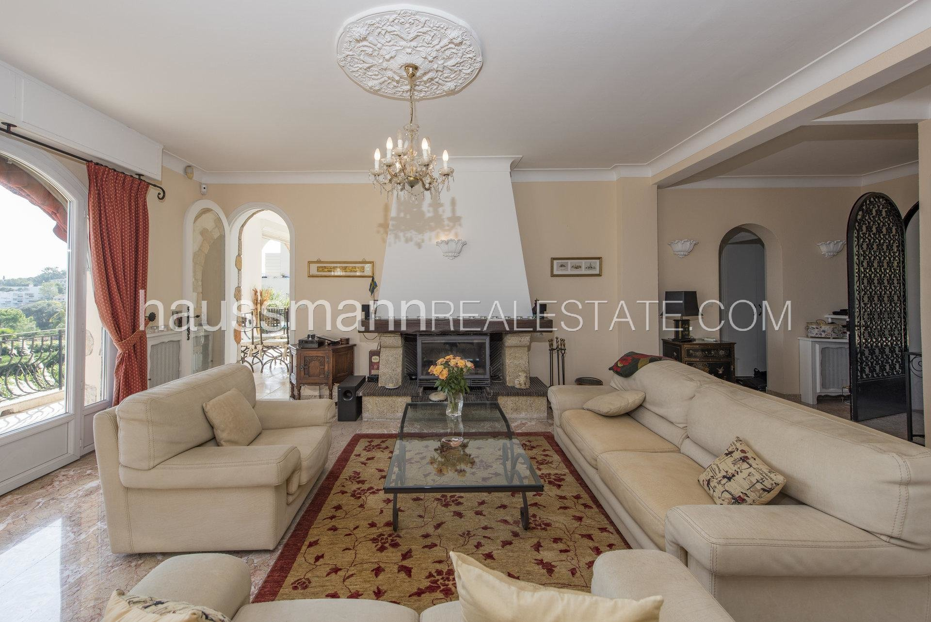 Buying Villa Antibes Provencal property with sea view