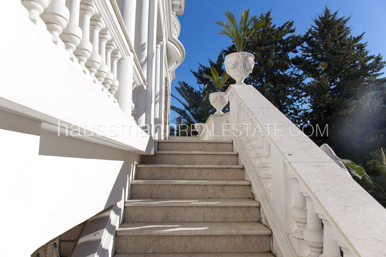Buying Villa Cagnes-sur-Mer Close to the sea and amenities