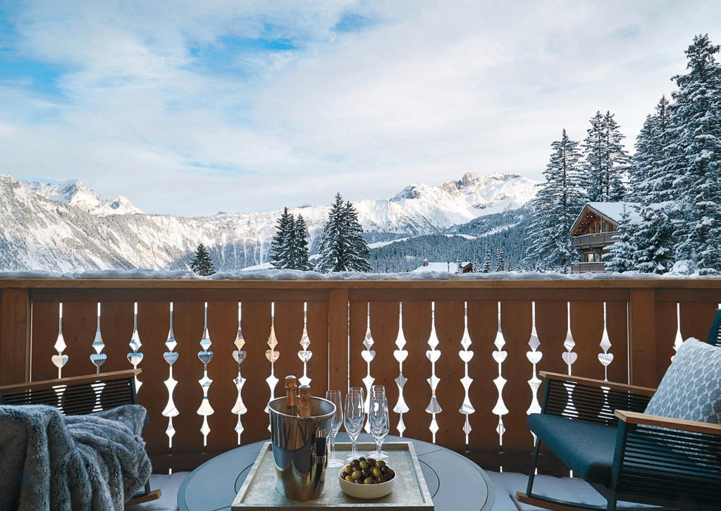 Buying Villa Courchevel Exclusive new apartments within the prestigious Six Senses Residence Courchevel, with access to the resort's 24 hour concierge and spa services.