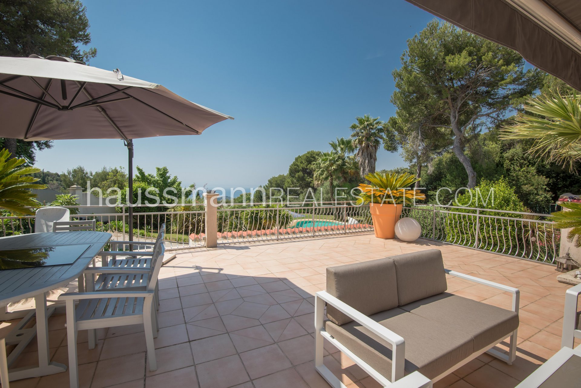 Buying Villa Nice Country side setting above Villefranche and Nice