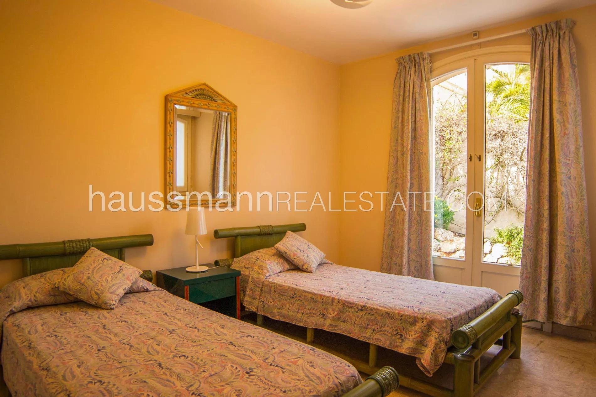 Buying Villa Nice Charming and quiet villa with breathtaking sea view