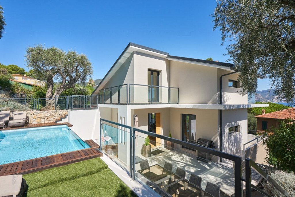 Buying Villa Saint-Jean-Cap-Ferrat Contemporary four bedroom villa in the village with sea views, ideally situated for all amenities.