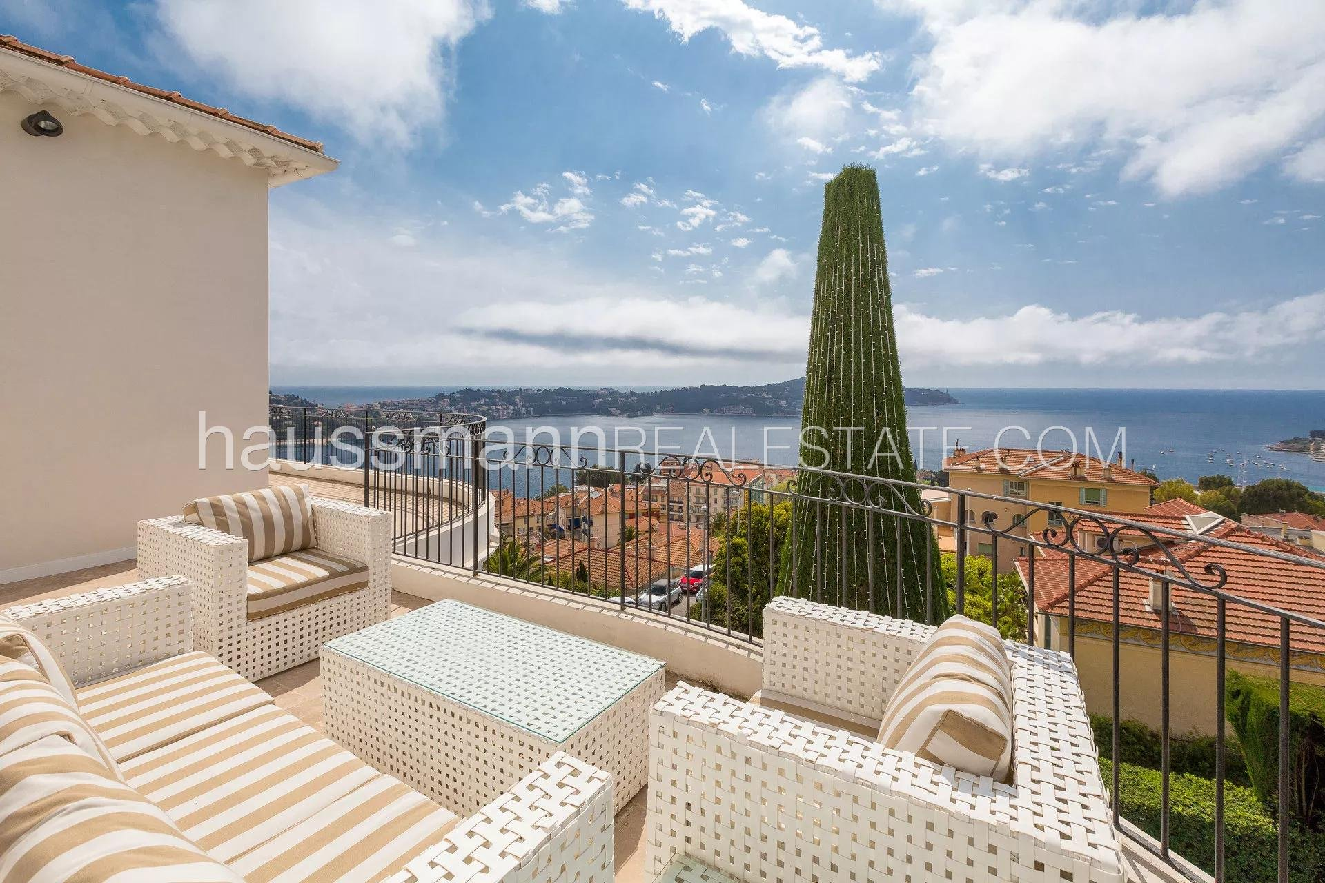 Rental Villa Villefranche-sur-Mer Renovated house at 2 steps from beaches and shops