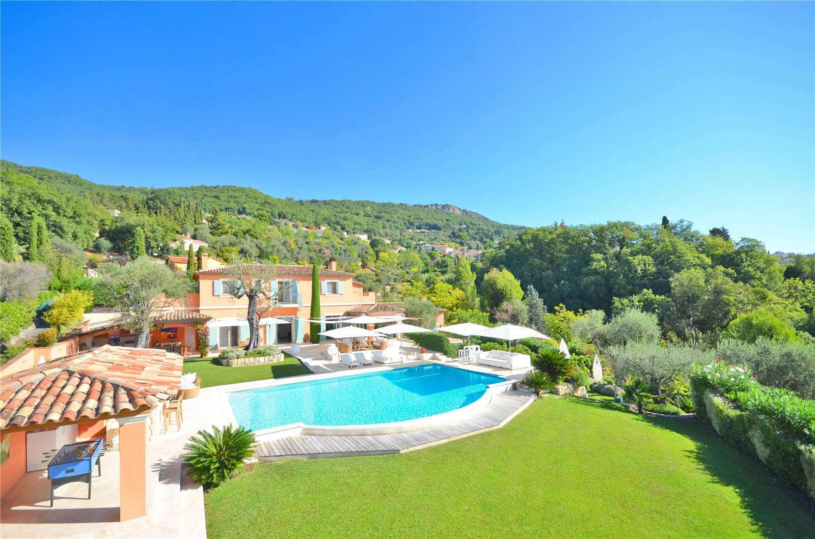 Buying Villa Magagnosc Contemporary villa with 5 en suite bedrooms, pool and independent studio apartment set in stunning  landscaped grounds with panoramic views.