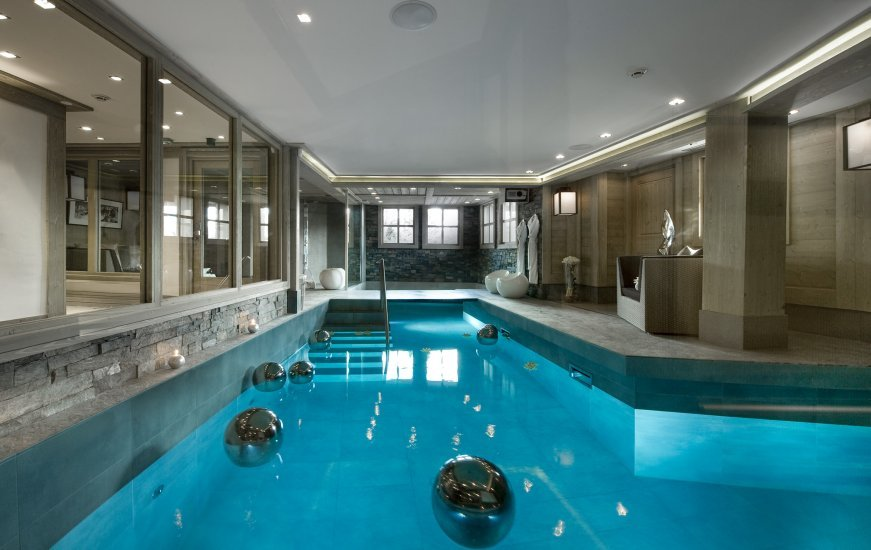 Buying Villa Courchevel Exeptional services of a luxury hotel