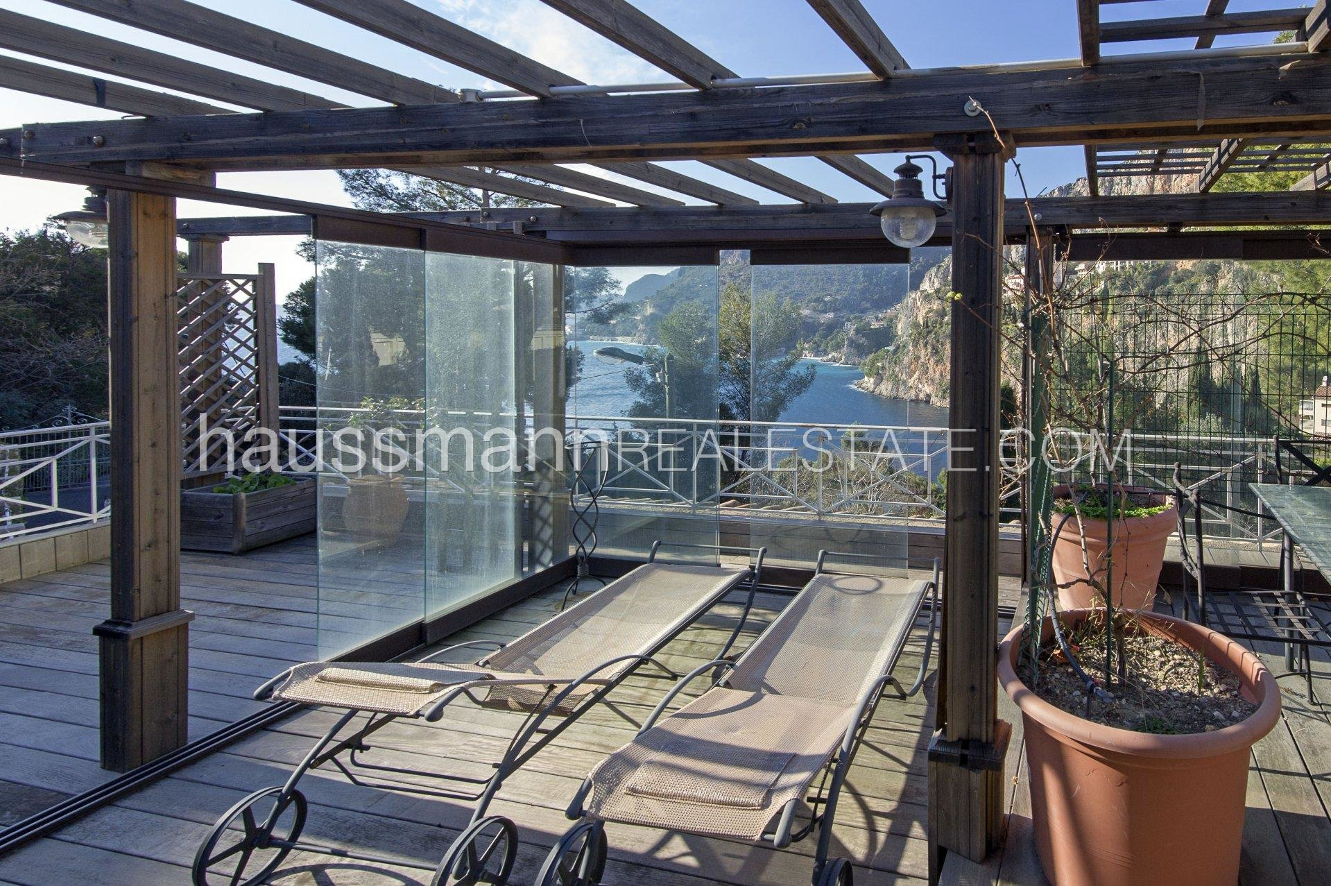 Buying Villa Cap-d'Ail Mala Beach - exceptional location with sea view