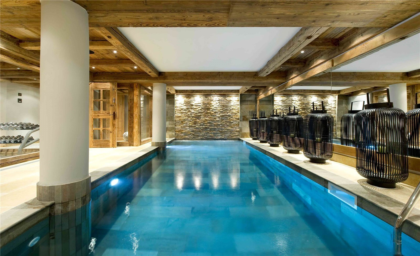 Rental Villa Courchevel Le Petit Château provides the perfect base from which to explore Courchevel 1850, the legendary skiers' paradise.