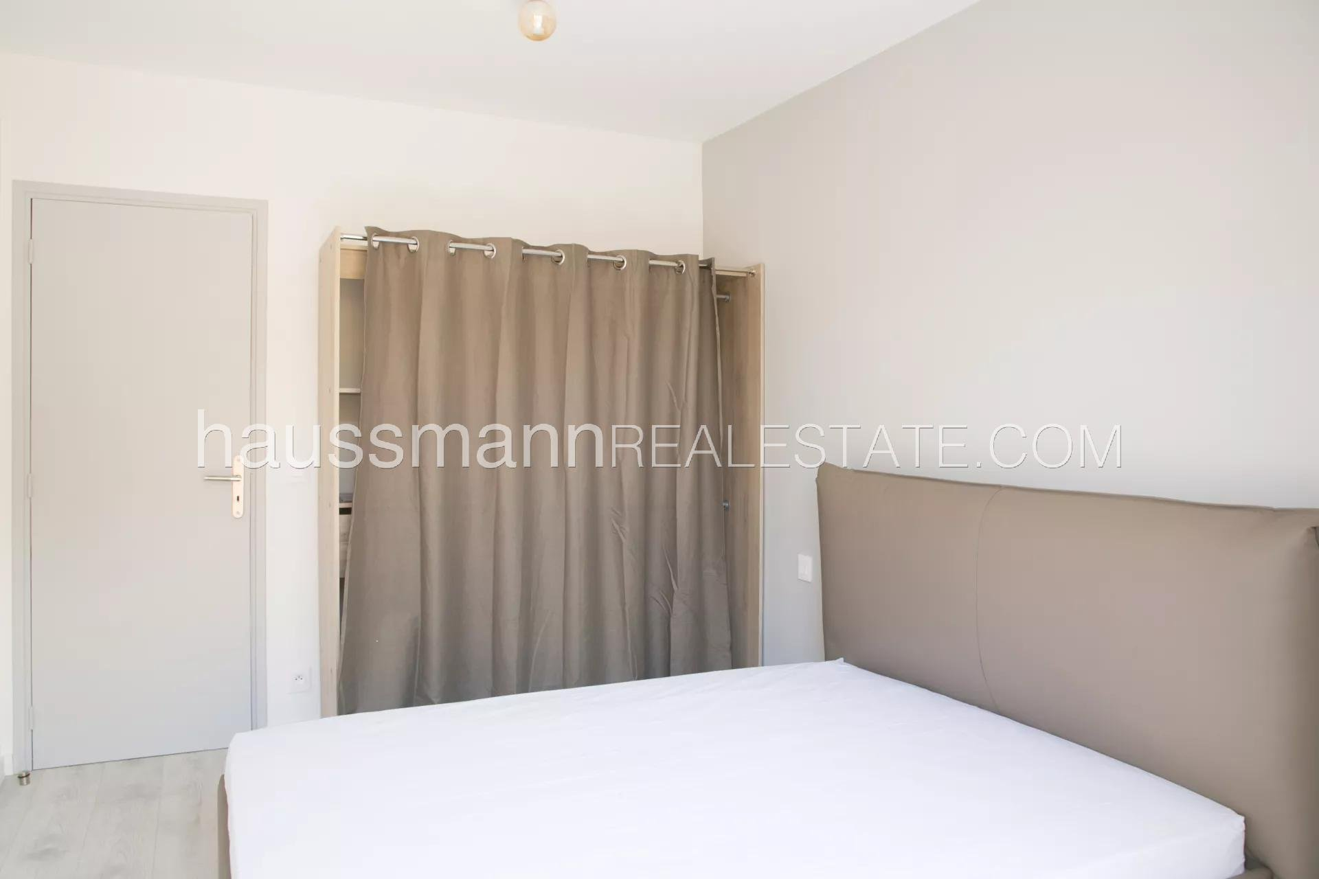 Buying Apartment Villefranche-sur-Mer In quiet area next to town center