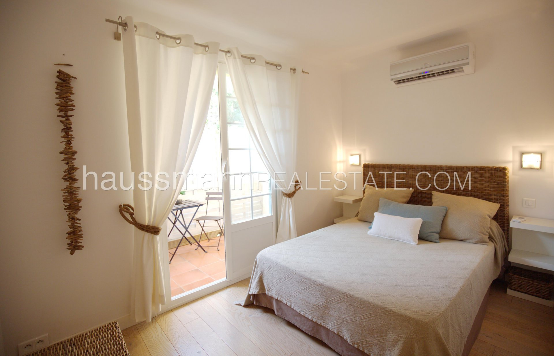 Rental Apartment Èze Close to the beach beautiful apartment with garden