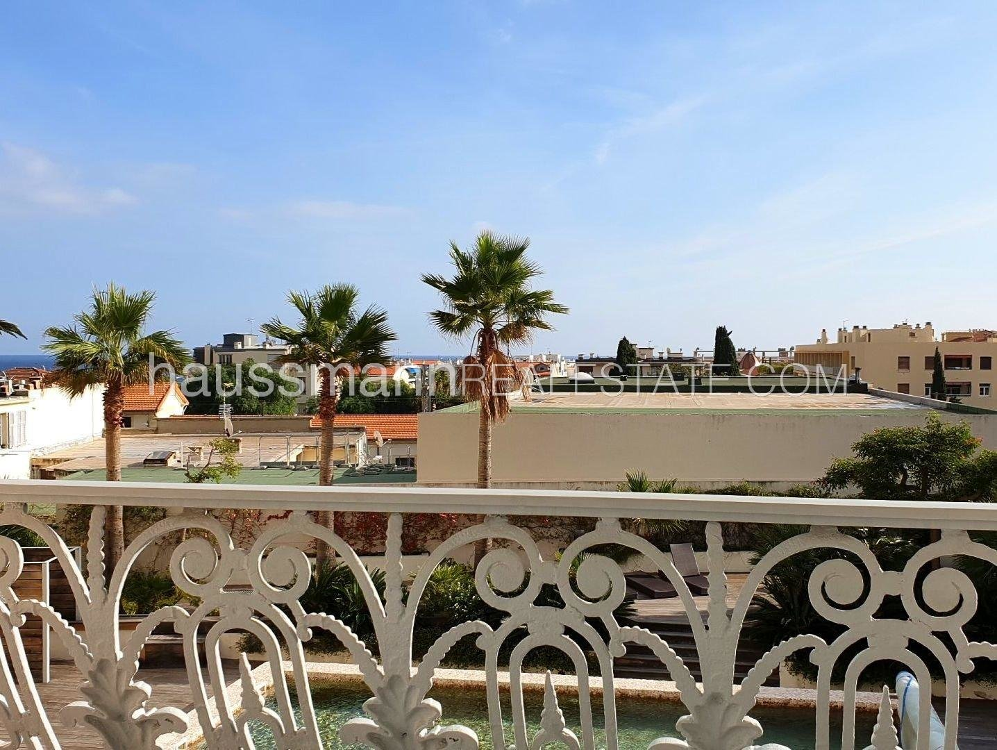 Buying Apartment Beaulieu-sur-Mer Apartment in the heart of the city with terrace of 140 M2