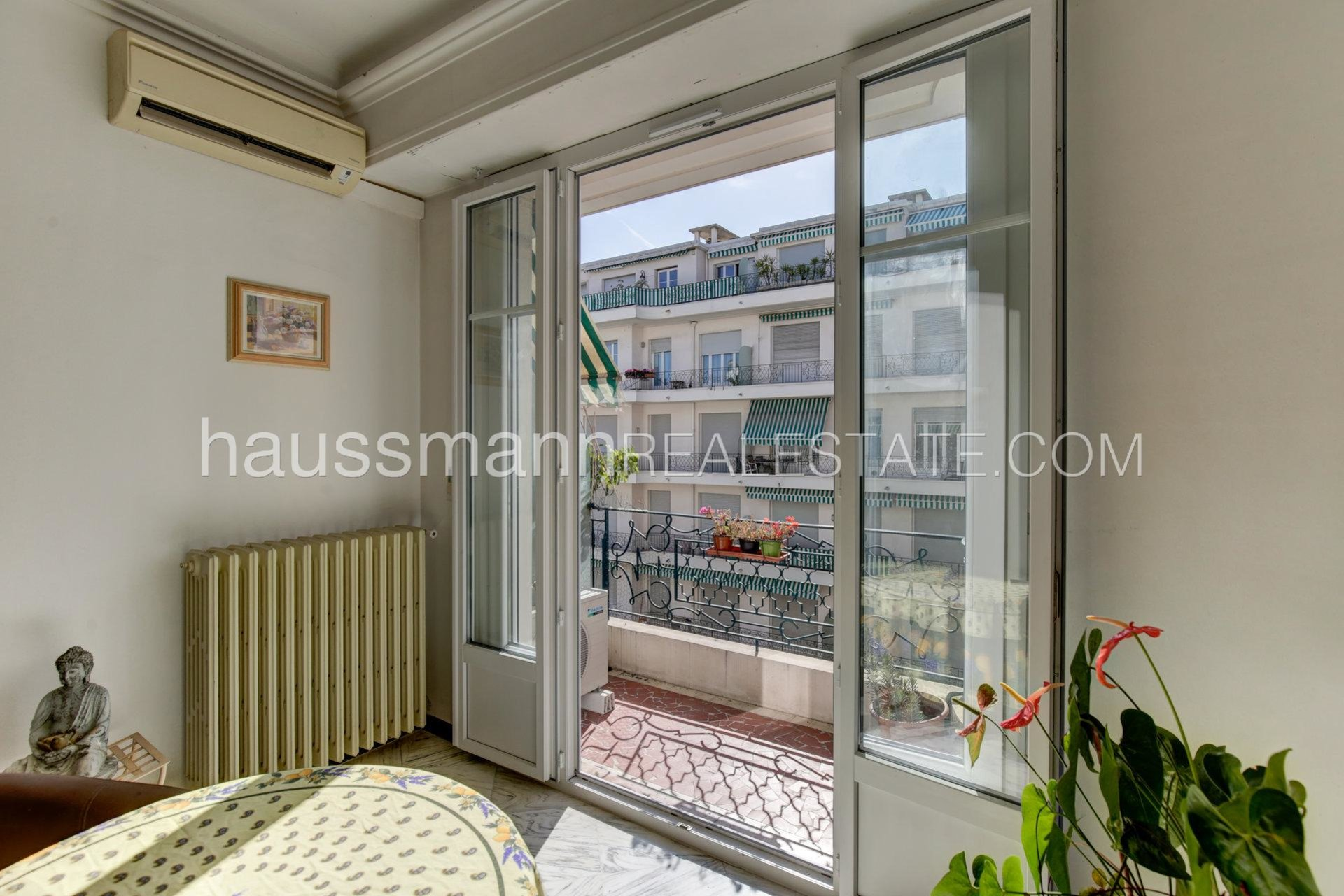 Buying Apartment Nice City center with balcony