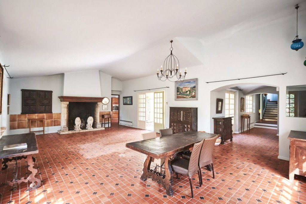 Buying Villa Antibes Rare to the open market. A charming, stone built, 9 bedroom bastide complete with swimming pool and spacious garage for 5 cars.