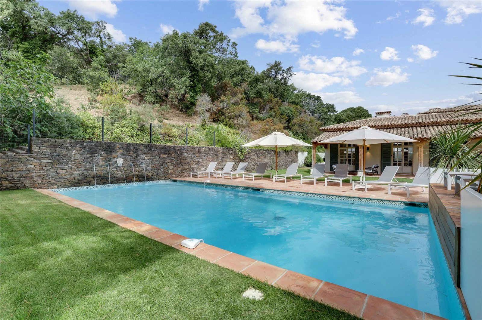 Buying Villa Ramatuelle The charm of a traditional Provencal mas
