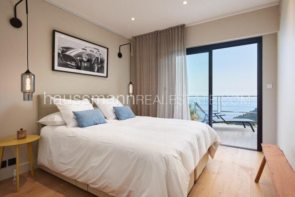 Buying Villa Èze Modern Villa with 24h Gated Security next to Monaco