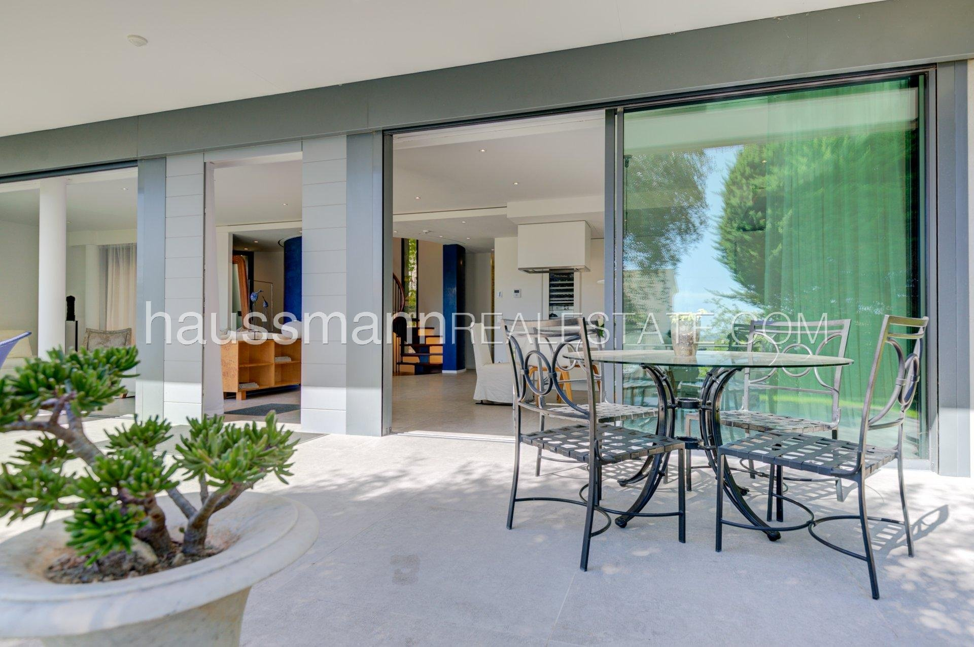 Buying Villa Beaulieu-sur-Mer Bright,quiet and very central position, contemporary style
