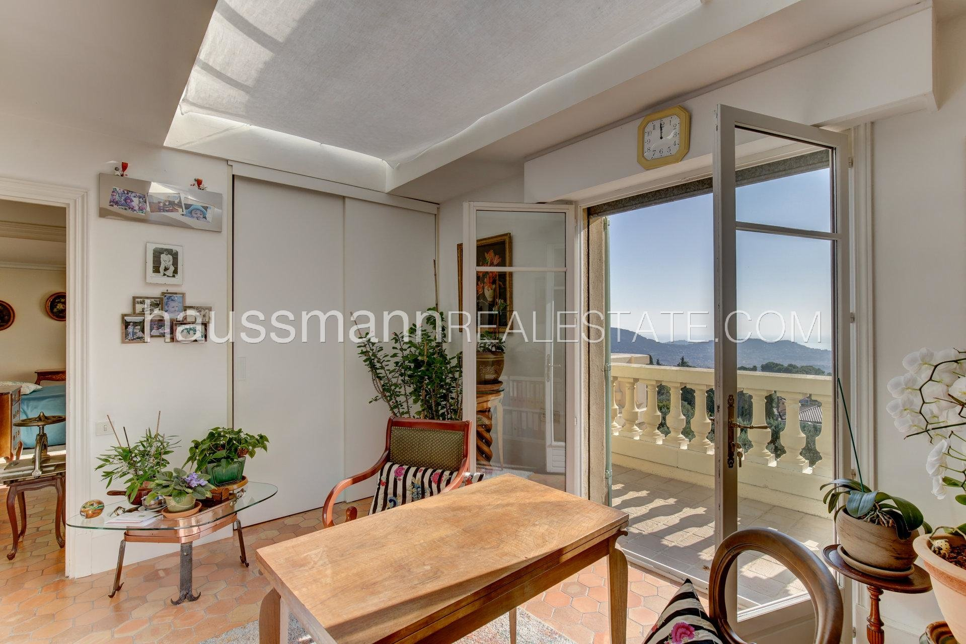 Buying Villa Nice Dominant position with panoramic view