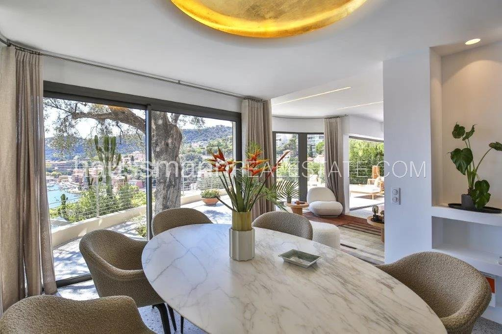 Buying Villa Villefranche-sur-Mer Positioned directly Above the Beach