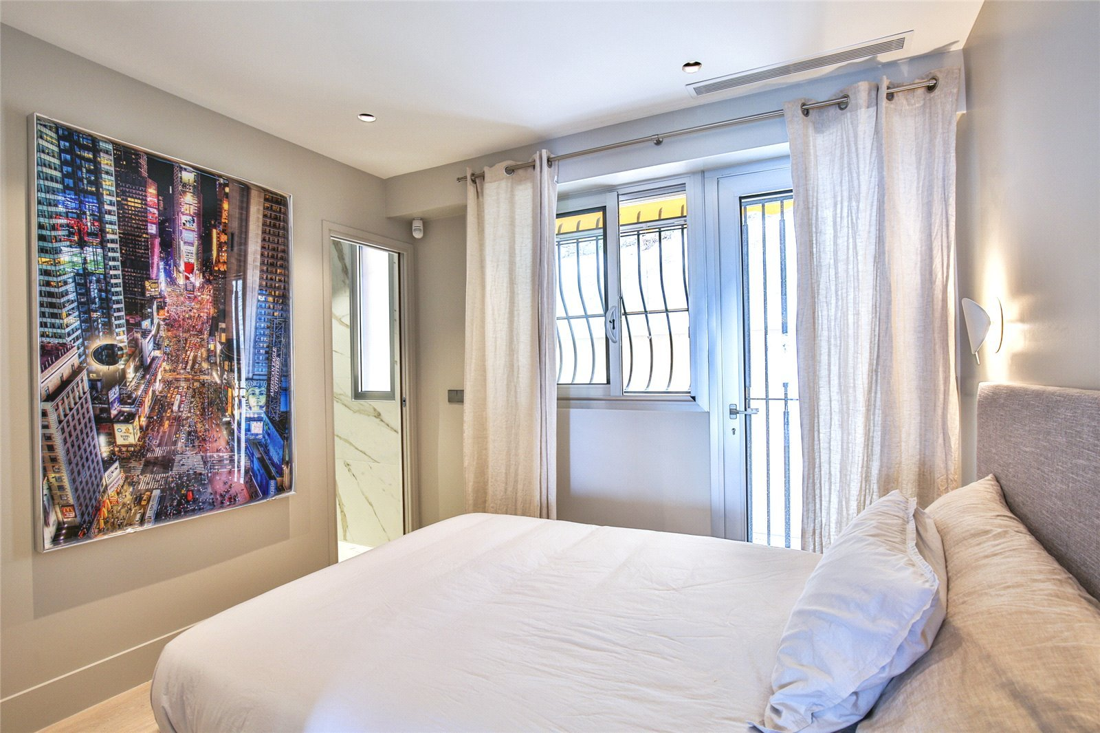 Buying Apartment Villefranche-sur-Mer Refurbished and south facing with panoramic sea views